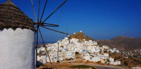 Πώς «κοκκίνισε» η μισή Ελλάδα -Τα 8 νησιά που βρίσκονται ένα βήμα πριν το lockdown και τα μέτρα