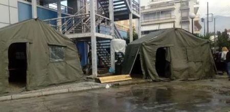Σκηνές έξω από το Αχιλλοπούλειο για εξέταση ύποπτων κρουσμάτων